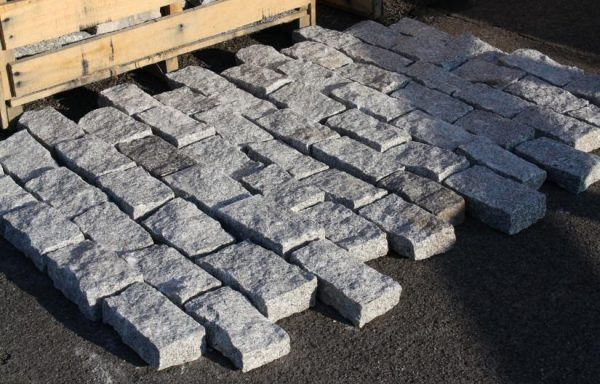 Grey Granite Silver Setts